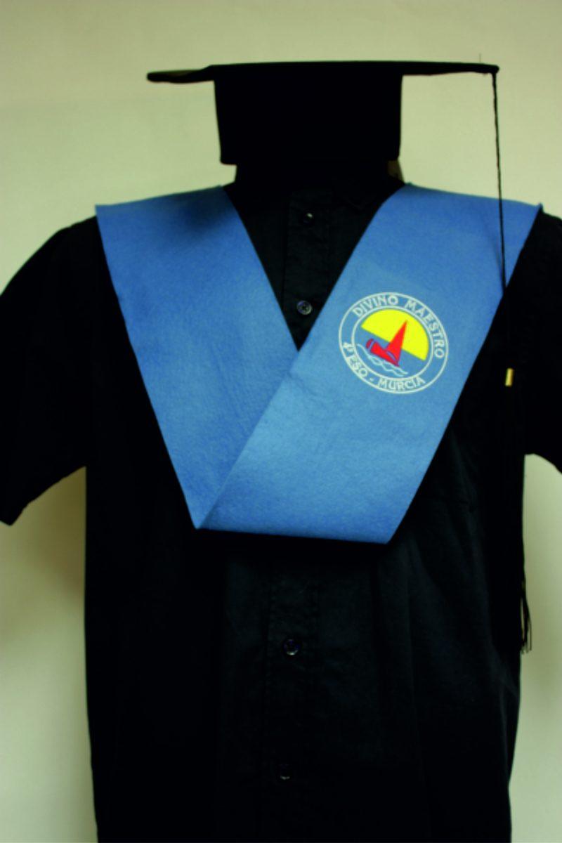 beca-graduacion-con-bordado